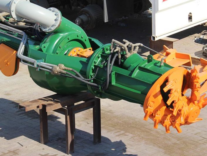 Cutter Suction Dredger front, cutter head