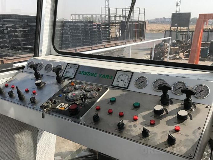 Auger Dredger 200 controls